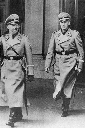 what was heinrich himmler role in the holocaust