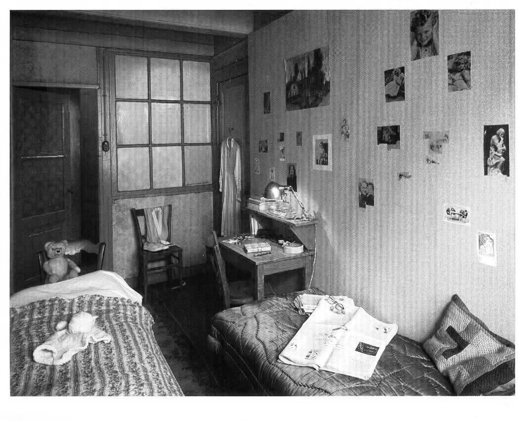 anne frank http. Black Bedroom Furniture Sets. Home Design Ideas