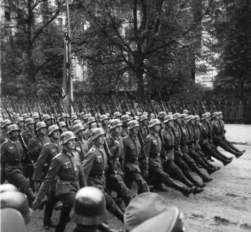 IMG:http://www.holocaustresearchproject.org/nazioccupation/images/Nazi%20soldiers%20parading%20through%20Warsaw%20after%20the%20invasion%20of%20Poland.jpg