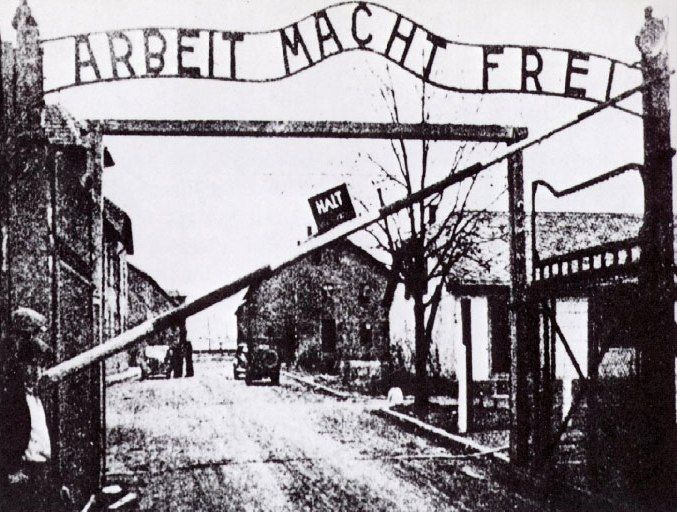 http://www.holocaustresearchproject.org/othercamps/galleries/auschperiod/Auschwitz%20gate%201940.jpg