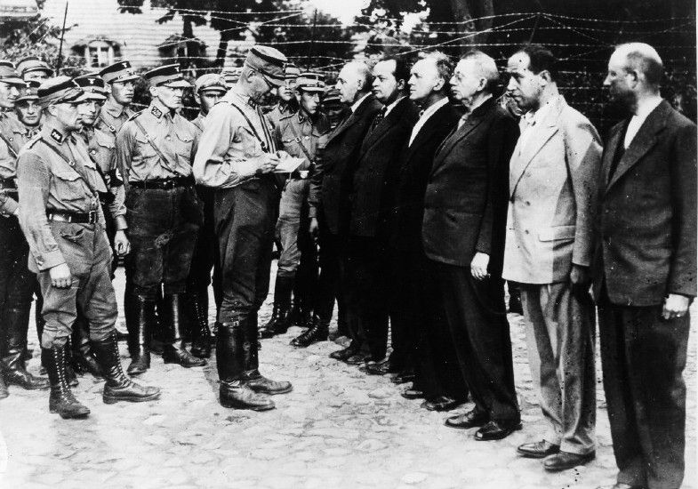 adolf hitler and the nazi regime concentration camps for the jews and inferior german races It is difficult to pinpoint one single trigger for adolf hitler's (1889-1945) antisemitism, but three key reasons can be identified: the anti-jewish climate in pre-war vienna, germany's defeat in the first world war and hitler's belief that some races were superior and others inferior.