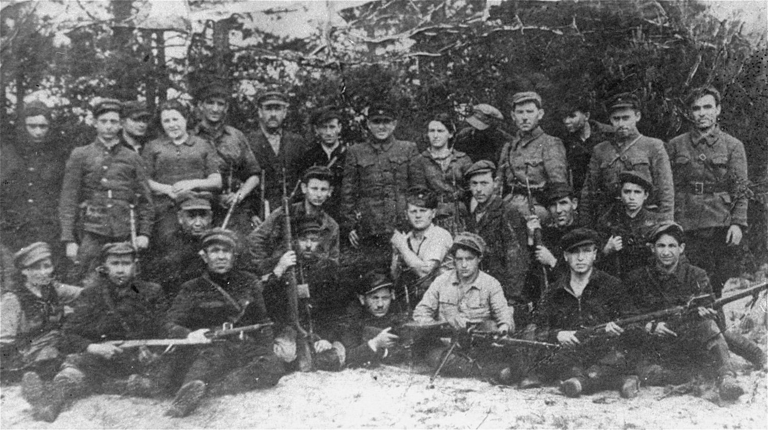 http://www.holocaustresearchproject.org/revolt/images/bielski.jpg