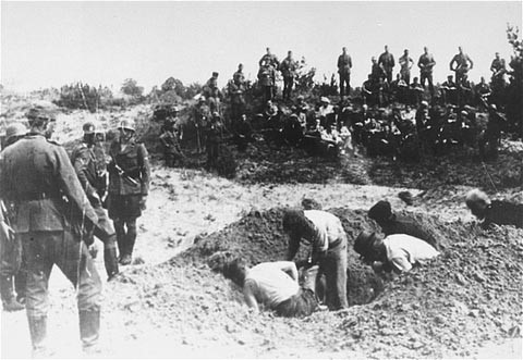 Einsatzgruppen forcing Jews to dig their own graves