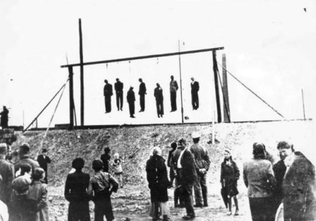 http://www.holocaustresearchproject.org/trials/images/Hangings%20at%20the%20Chujowa%20Gorka%20in%20Plaszow.jpg