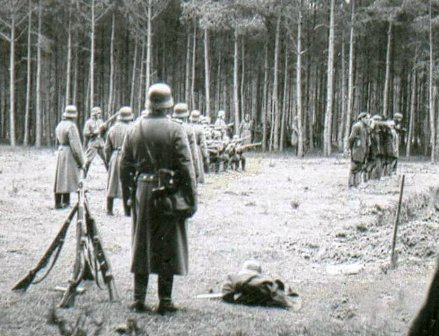 Image result for nazi ss with groups of shepherds dogs surrounding jews